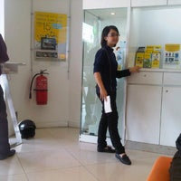Photo taken at DiGi Store™ by Yong H. on 12/11/2012