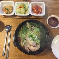 Photo taken at Eid (Korean Muslim Restaurant) by Dyanna Ajis on 5/13/2017