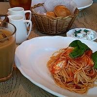 รูปภาพถ่ายที่ Afternoon Tea LIVING โดย rc เมื่อ 2/20/2013