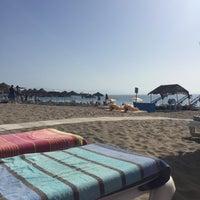 Foto tomada en Playa de la Carihuela por Gayle M. el 8/23/2017
