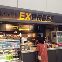 Photo taken at ウエストパークカフェ エクスプレス 成田店 by Takashi S. on 8/6/2014