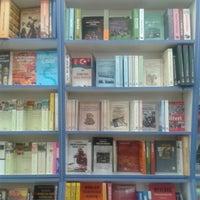 10/13/2013 tarihinde HNDziyaretçi tarafından Tivoli Kitabevi'de çekilen fotoğraf