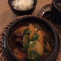 Снимок сделан в Hum vegan cuisine пользователем Dayee 9/13/2018