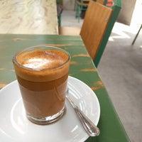 9/27/2017 tarihinde Bryan V.ziyaretçi tarafından Colectivo Coffee Roasters'de çekilen fotoğraf