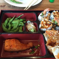 Photo taken at Earls Restaurant by Channer on 8/4/2015