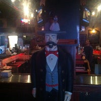 รูปภาพถ่ายที่ Darwin's Pub โดย Justin J. เมื่อ 12/14/2012