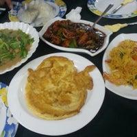 Photo taken at Bob Ume Kitchen by Mohamad Azmi on 12/15/2012