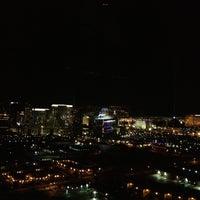 Foto tirada no(a) The View por Doug P. em 4/13/2013