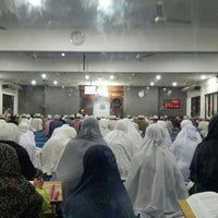 Photo taken at Surau An-Nur by Anis A. on 6/23/2013