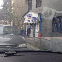 Photo taken at Burger House by Hossein➰ L. on 3/20/2014