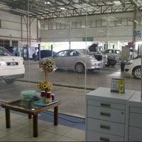 Photo taken at Proton Service Bukit Pasir Batu Pahat by medaus™ on 8/16/2013
