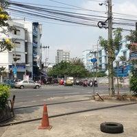 3/2/2013 tarihinde Somchai B.ziyaretçi tarafından รามคำแหง 24 แยก 2'de çekilen fotoğraf