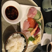 Photo prise au MI-NE SUSHI NY par Bonnie C. le11/12/2017