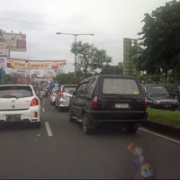 Photo taken at Jalan Raya Alternatif Cibubur (Trans Yogie) by Dandun W. on 2/24/2013