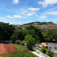 Photo taken at Pousada Varandas Do Vale by Franklin S. on 10/4/2014