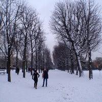 Foto tirada no(a) Jardins des Champs-Élysées por Bart V. em 1/19/2013