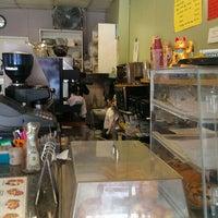 6/6/2013에 Angie C.님이 Fresh Brew Coffee에서 찍은 사진