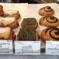 Foto tomada en Fuji Bakery por Melenie Y. el 7/4/2014