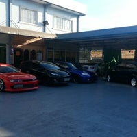 Photo taken at Streamline auto detailing plus by Edward A. on 2/10/2013