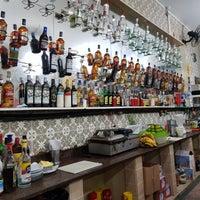 Foto tirada no(a) Bar Sacabral por Nicholas L. em 4/22/2018
