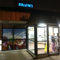 Photo taken at Braum's Ice Cream & Dairy Store by Mixed-Up Burgers M. on 1/10/2013