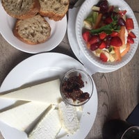 Das Foto wurde bei Cafe D'Anvers von Raphael T. am 6/6/2017 aufgenommen