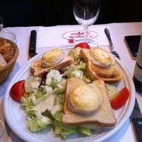 Photo taken at L'Entrecôte de Paris by Serg M. on 12/18/2012