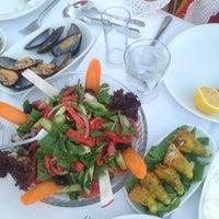 8/2/2013 tarihinde Ezgi Ö.ziyaretçi tarafından Sahil Restaurant'de çekilen fotoğraf