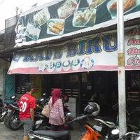 Photo taken at Kafe Biru by Ogeid 8. on 12/26/2012