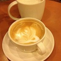 Photo taken at Starbucks by Экин Дениз Ю. on 1/11/2013