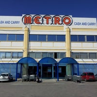 Photo taken at METRO Cash & Carry by METRO Cash & Carry on 10/25/2013