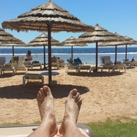 Foto tirada no(a) Beach @ Rixos Hotel por MAD MAX em 5/14/2014
