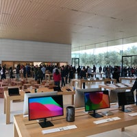 Photo taken at Apple Park Visitor Center by Frank  V. on 11/15/2017