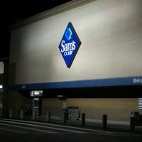Photo taken at Sam's Club by (((Starscream))) on 12/18/2012