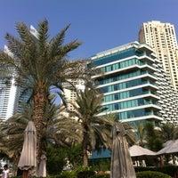 8/17/2013 tarihinde July💜 P.ziyaretçi tarafından Hilton Dubai Jumeirah'de çekilen fotoğraf