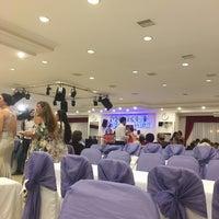 Photo taken at Morel Düğün Salonu by Ozgur D. on 8/13/2017