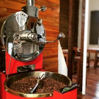 Foto tirada no(a) Original Green Roasters por Original Green Roasters em 5/5/2015