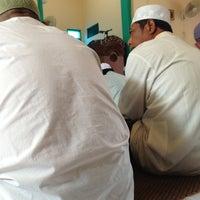 Photo taken at Masjid As Salam Kantor Samsat Banjarmasin by Ajo on 1/18/2013