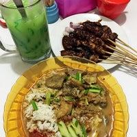 Photo taken at Rumah Makan Laksana Jaya by Chicy♡ on 2/21/2016