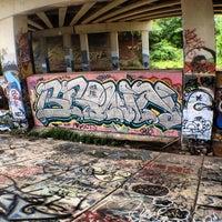 7/1/2013 tarihinde Mauriceziyaretçi tarafından Atlanta BeltLine Corridor under Freedom Pkwy'de çekilen fotoğraf