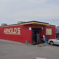 Photo taken at Arnold's Country Kitchen by Maurice on 9/27/2012