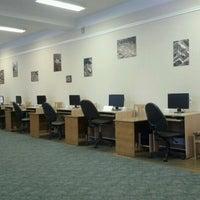 รูปภาพถ่ายที่ Научная библиотека БНТУ โดย Игорь Б. เมื่อ 12/7/2012