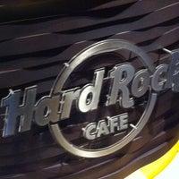 Foto tomada en Hard Rock Cafe Barcelona por Arianna T. el 4/17/2013