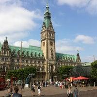 Photo taken at Hamburger Rathaus by Marc G. on 7/13/2013