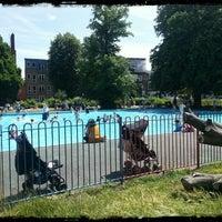 7/7/2013 tarihinde dianaziyaretçi tarafından Clissold Park'de çekilen fotoğraf