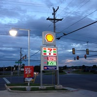 Photo taken at Shell by Ron v. on 8/31/2014