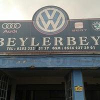 Photo taken at beylerbeyi volkswagen servisi by Ömer T. on 2/15/2014