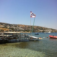 Photo taken at Beyaz Beach Club by 🐾ŞİFA🐾 . on 6/21/2013
