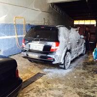 Photo taken at oto yıkama by KAAN KAYNAKCİ on 6/17/2014
