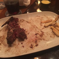 Photo taken at LongHorn Steakhouse by Rakan A. on 8/16/2015